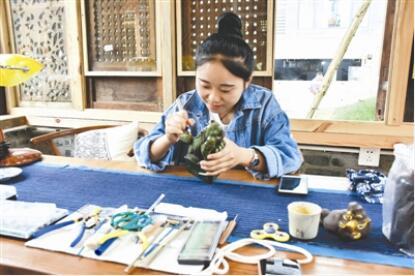 95后大邑女孩把爱好做成工作室:我是幸福的创客