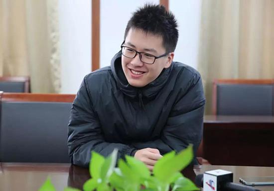 """合肥高三男生拒绝北大后保送清华 选择""""姚班"""""""