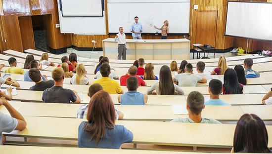 中学生正成为中国留学市场主力军 95%家长让孩子参加语言考试