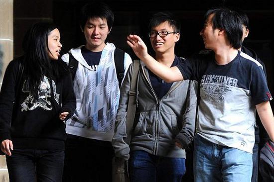 留学生在大学里获取帮助(如心理咨询)并不容易。图片来源:Julian Smith