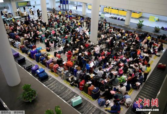 菲商报:菲律宾政府拟限制签发外国人工作证  减少至6个月