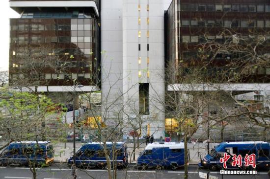 """法国大学拒绝涨学费 法国教育部应允""""再协商"""""""