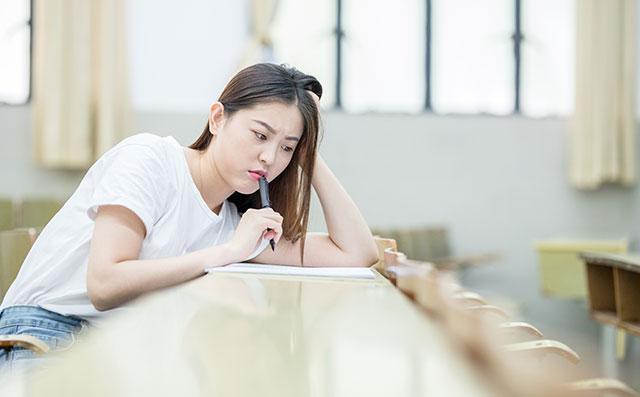 雅思听力考试中常见的陷阱,如何避免?