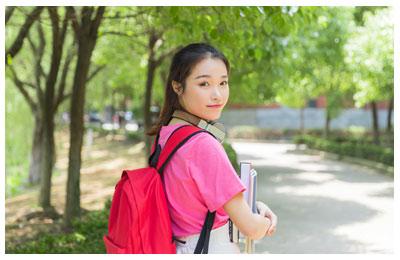 北京学生英语课程配图