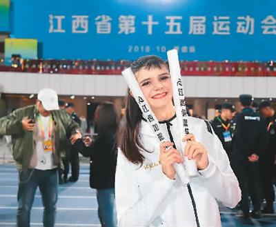 外国学子学中文:生活在中国  爱上中国